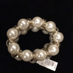 NWT Chunky pearl and gold bracelet